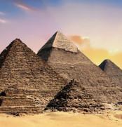 pyramids-2371501_1920-1200x450